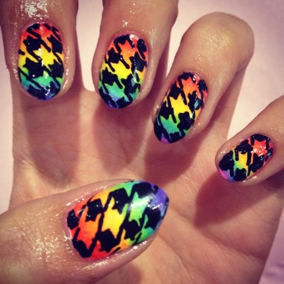 studded-hearts-nail-art-rainbow-houndstooth