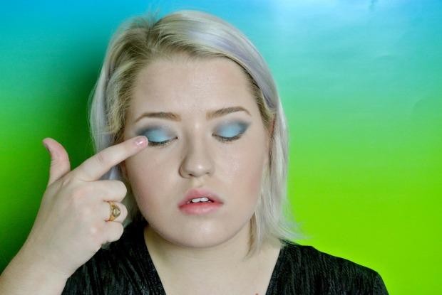 pisces blue eyeshadow